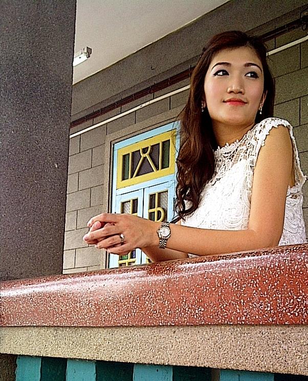 Eryn White Lacey DressA