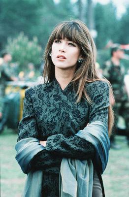 Sophie-Marceau-Elektra-King-bond-girl