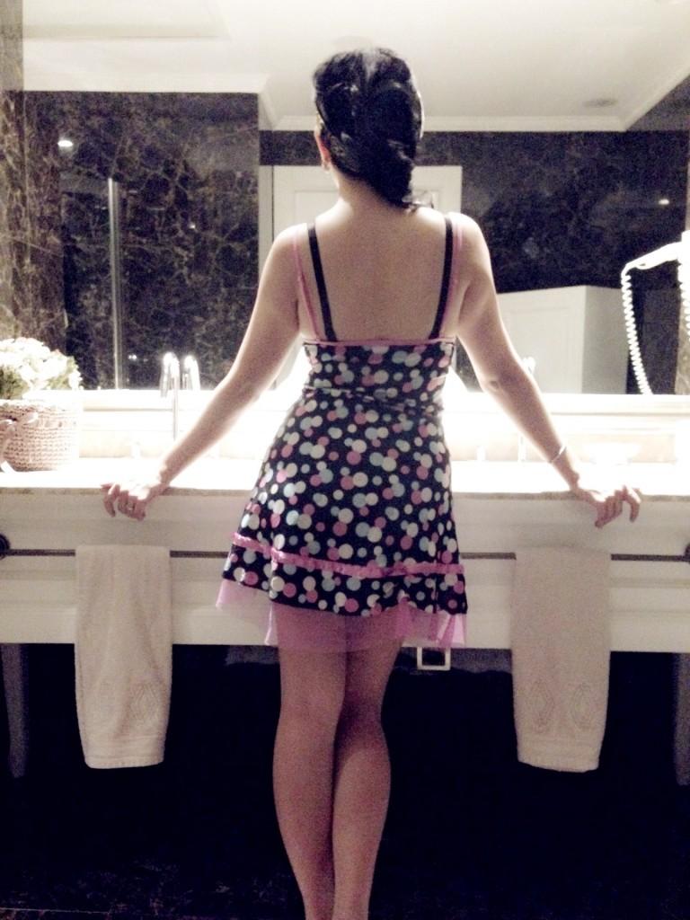 pin up girl in polka dots sexy back