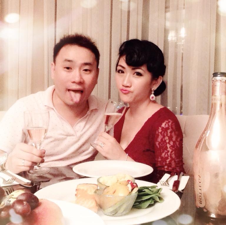 champagne date night asian