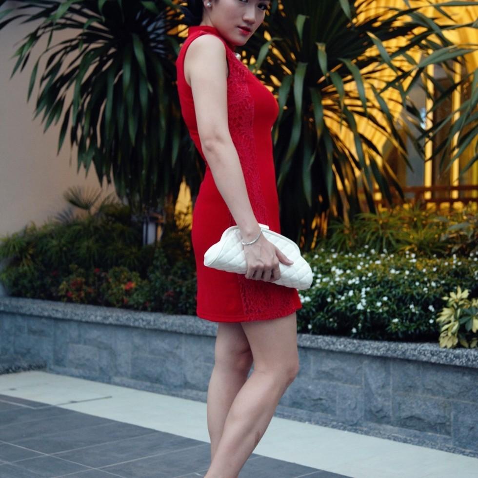 oriental girl red cheongsam
