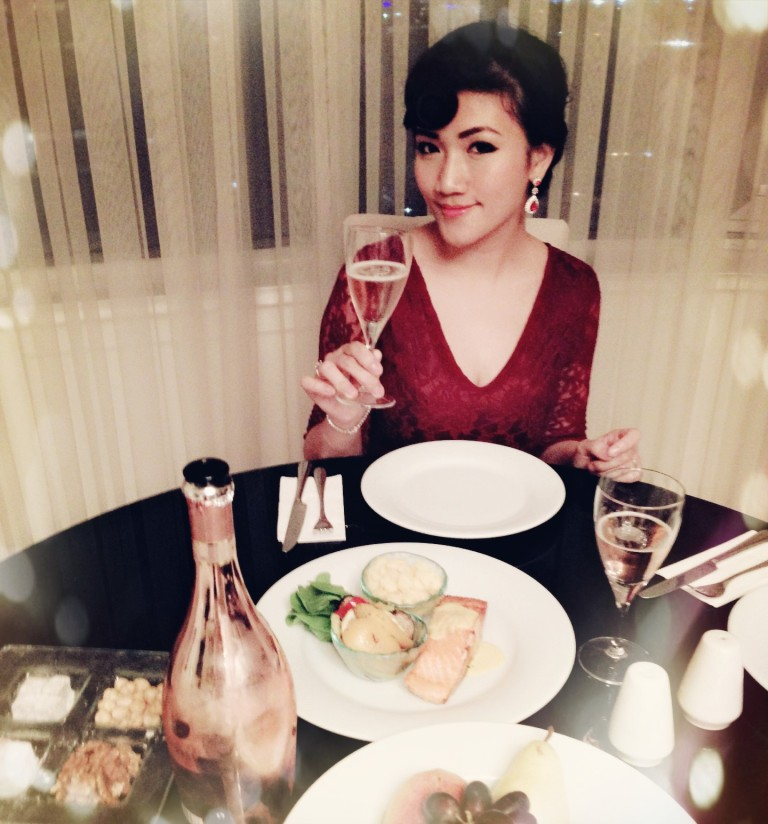 champagne private dining