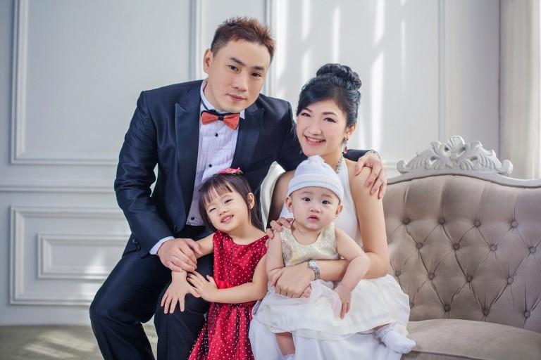 Millionmars Family Portrait 1