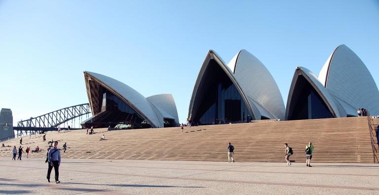Millionmars Opera House Casual 2
