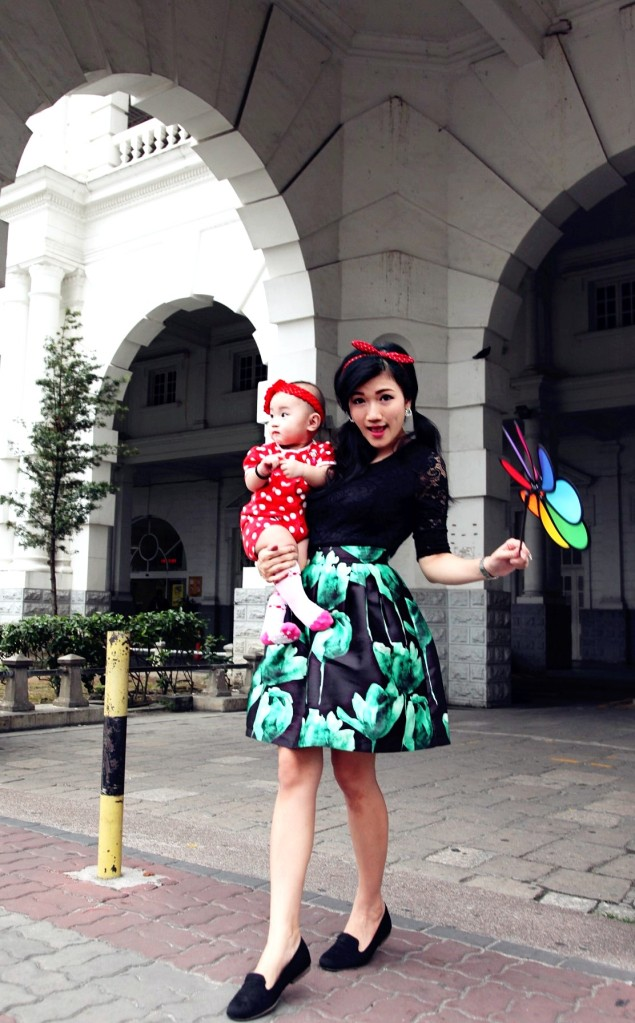 Mother and Baby Green Dress Ipoh Train Station 7