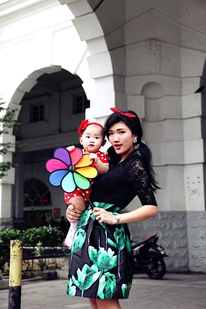Mother and Baby Green Dress Ipoh Train Station 8