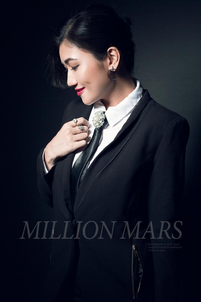 millionmars-suit-1